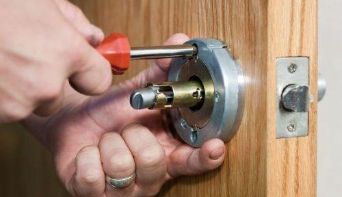 Es importante sentirse confiado de la seguridad de tu casa cuando sales